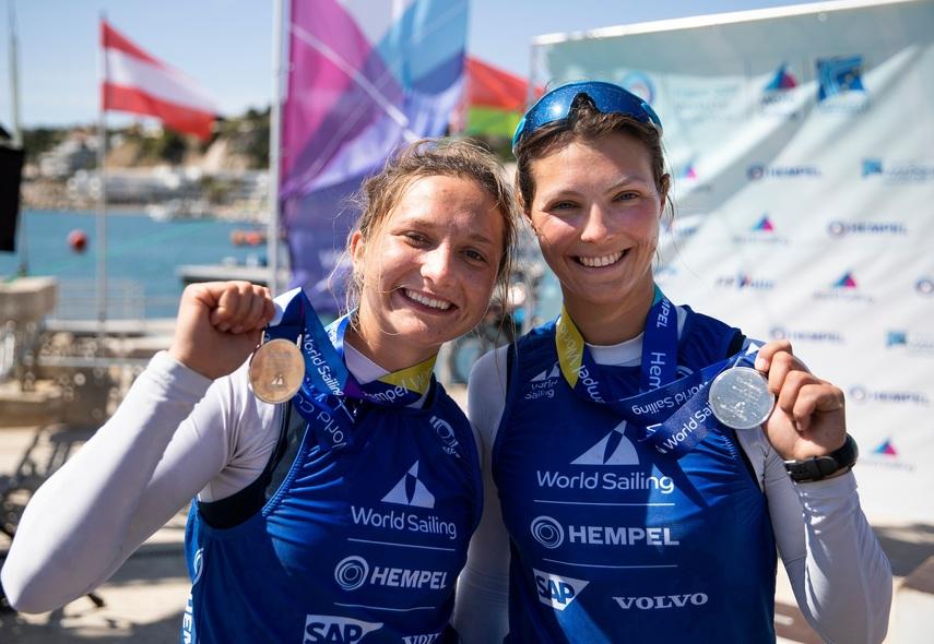 Na zdjęciu: Aleksandra Melzacka i Kinga Łoboda (fot. Sailing Energy / World Sailing)
